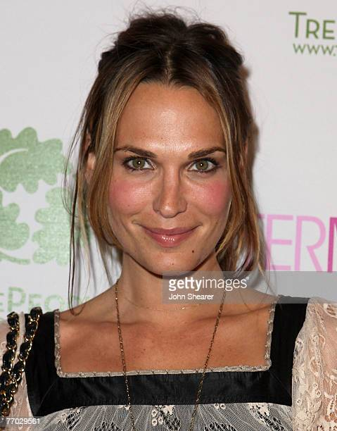 Actress Molly Sims arrives at the opening of the Intermix store on Robertson Boulevard on September 25 2007 in Los Angeles California