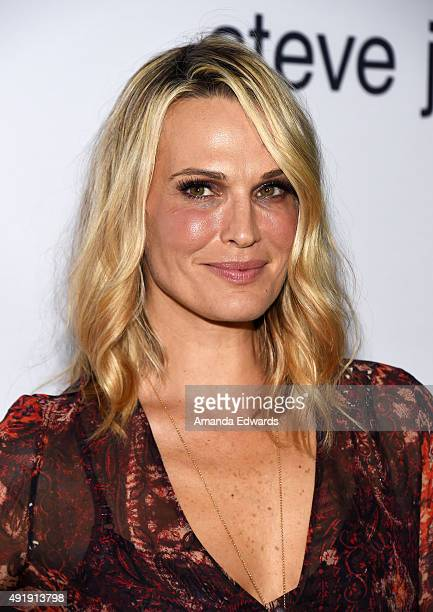 Actress Molly Sims arrives at the screening of Universal Pictures' 'Steve Jobs' on October 8 2015 in Los Angeles California
