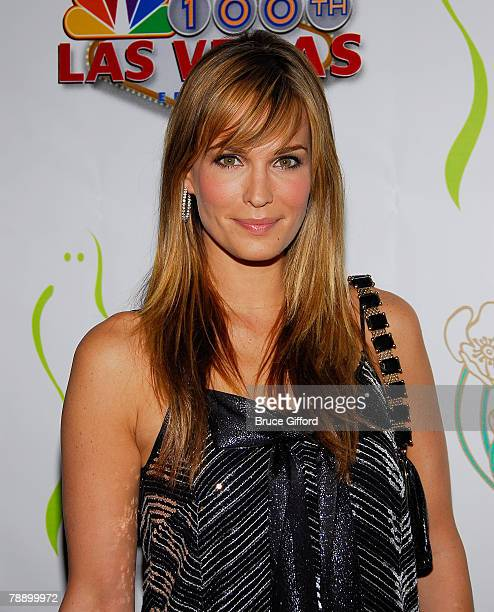 Actress Molly Sims arrives to celebrate NBC's Las Vegas 100th Episode held at Ghost Bar inside the Palms Casino Resort on January 10, 2008 in Las...