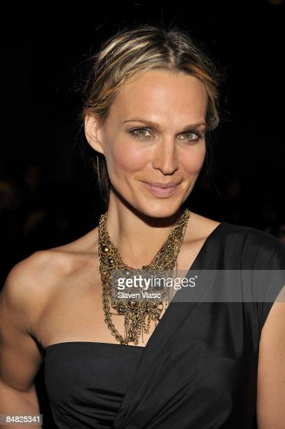 Actress Molly Sims attends the Donna Karan Collection Fall 2009 fashion show during MercedesBenz Fashion Week at 711 Greenwich Street on February 16...