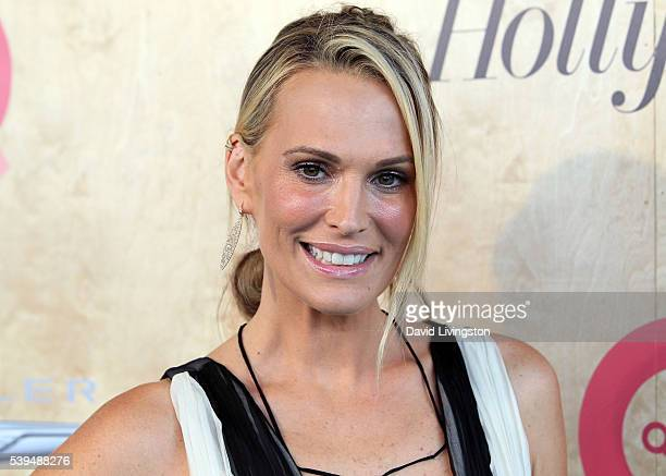 Actress Molly Sims attends the Ovarian Cancer Research Fund Alliance's 3rd Annual Super Saturday Los Angeles at Barker Hangar on June 11 2016 in...