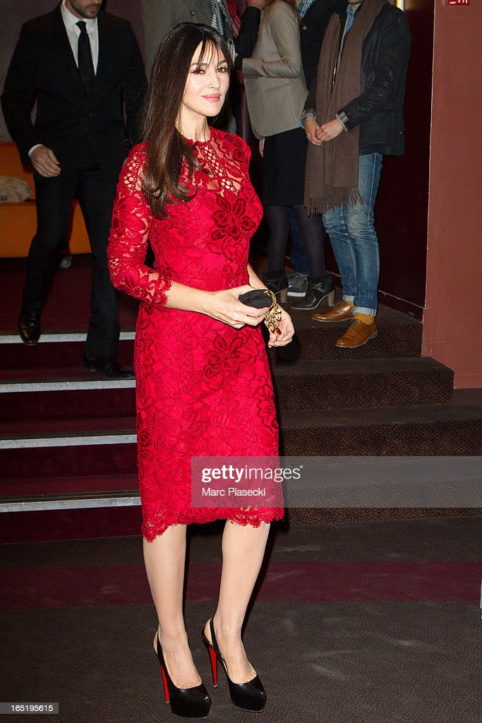 Actress Monica Bellucci arrives to attend the 'Des Gens Qui S'embrassent' Premiere at Cinema Gaumont Marignan on April 1, 2013 in Paris, France.