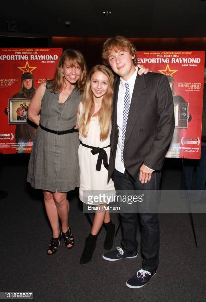 Actress Monica Horan and her Children Lily and Ben Rosenthal arrive at the Los Angeles Premiere of Exporting Raymond at the Landmark Theater on April...