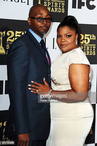 Actress Mo'Nique and husband Sidney Hicks arrive at the 25th Film Independent's Spirit Awards held at Nokia Event Deck at LA Live on March 5 2010 in...