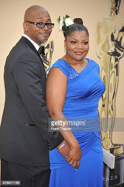 Actress Mo'Nique and husband Sidney Hicks arrives at the 2010 Oscars held at the Kodak Theatre in Los Angeles