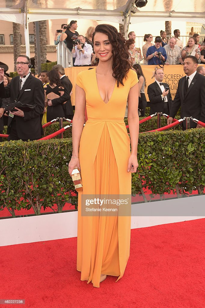 Actress Mozhan Marno attends TNT's 21st Annual Screen Actors Guild Awards at The Shrine Auditorium on January 25, 2015 in Los Angeles, California. 25184_022