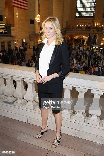 Actress Naomi Watts arrives at the Chanel 2006/2007 Cruise Collection fashion show May 17, 2006 in New York City.