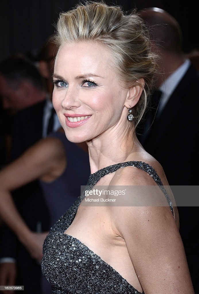 Actress Naomi Watts arrives at the Oscars at Hollywood & Highland Center on February 24, 2013 in Hollywood, California.