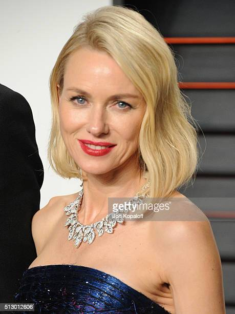 Actress Naomi Watts attends the 2016 Vanity Fair Oscar Party hosted By Graydon Carter at Wallis Annenberg Center for the Performing Arts on February...