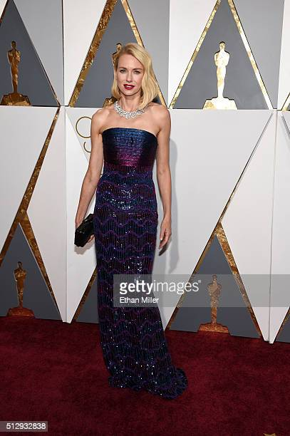 Actress Naomi Watts attends the 88th Annual Academy Awards at Hollywood & Highland Center on February 28, 2016 in Hollywood, California.