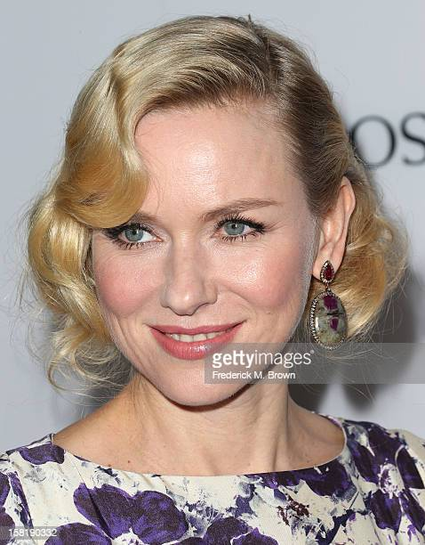 Actress Naomi Watts attends the Premiere Of Summit Entertainment's 'The Impossible' at the ArcLight Cinerama Dome on December 10 2012 in Hollywood...