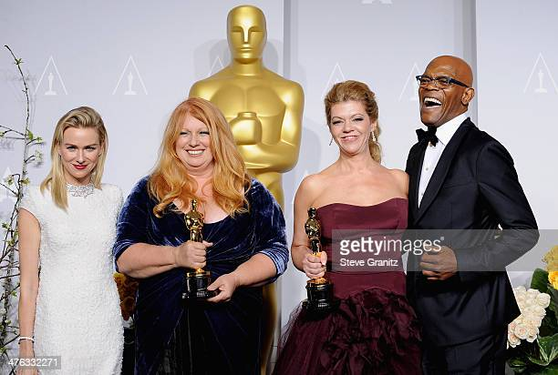 Actress Naomi Watts hairstylist Adruitha Lee makeup artist Robin Matthews and actor Samuel L Jackson pose in the press room during the Oscars at...