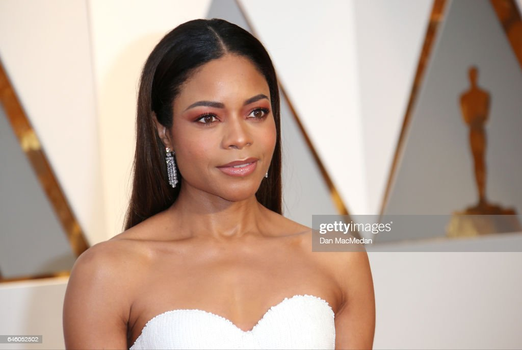 Actress Naomie Harris arrives at the 89th Annual Academy Awards at Hollywood & Highland Center on February 26, 2017 in Hollywood, California.