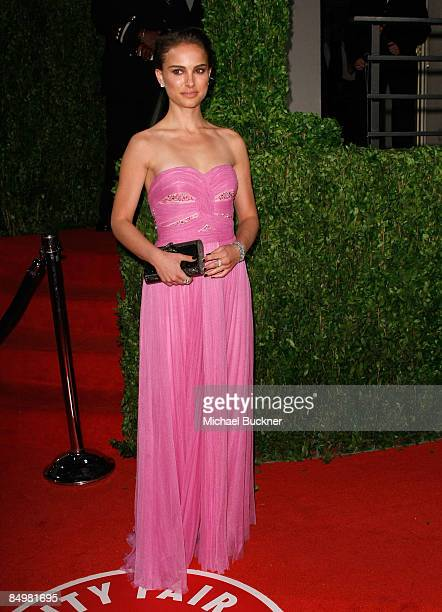 Actress Natalie Portman arrives at the 2009 Vanity Fair Oscar Party hosted by Graydon Carter held at the Sunset Tower on February 22 2009 in West...