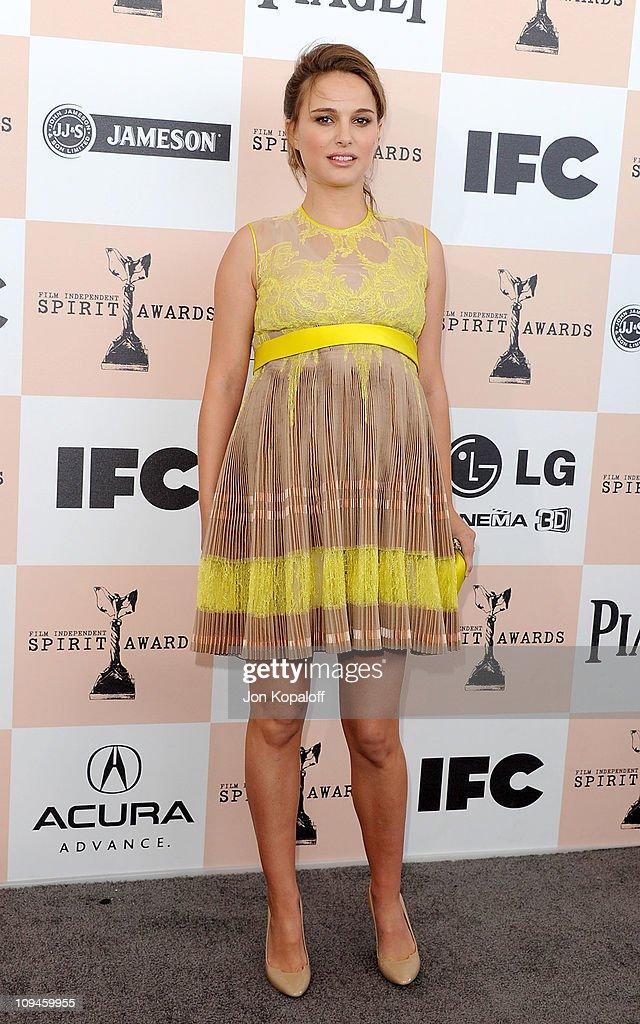 Actress Natalie Portman arrives at the 2011 Film Independent Spirit Awards held at Santa Monica Beach on February 26, 2011 in Santa Monica, California.