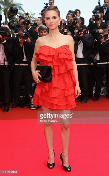 Actress Natalie Portman arrives at the 'Che' Premiere at the Palais des Festivals during the 61st International Cannes Film Festival on May 21, 2008...