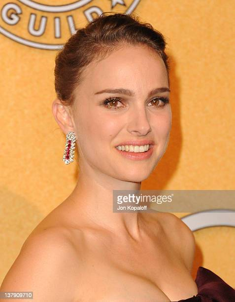 Actress Natalie Portman poses in the press room at 18th Annual Screen Actors Guild Awards held at The Shrine Auditorium on January 29, 2012 in Los...