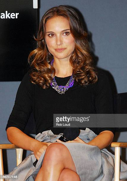 Actress Natalie Portman visits the Apple Store in Soho on April 24 2009 in New York City