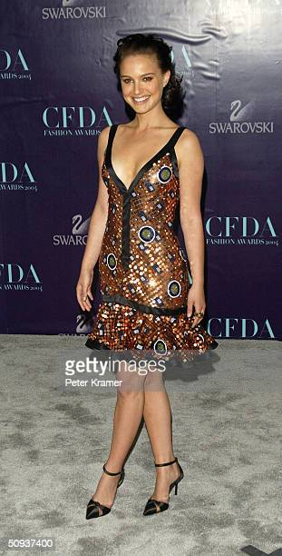 Actress Natalie Portman wearing a Zac Posen dress attends the 2004 CFDA Fashion Awards June 7, 2004 in New York City.
