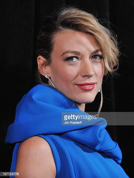 Actress Natalie Zea arrives at the DIC/InStyle's 9th Annual Awards Season Diamond Fashion Show Preview at Beverly Hills Hotel on January 14 2010 in...