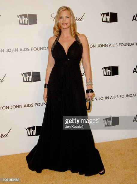 Actress Natasha Henstridge attends the 16th Annual Elton John AIDS Foundation Oscar Party at the Pacific Design Center on February 24 2008 in West...