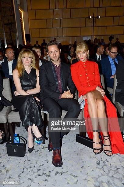 Actress Natasha Lyonne writer Derek Blasberg and model Karlie Kloss attend the The Daily Front Row's 4th Annual Fashion Media Awards at Park Hyatt...