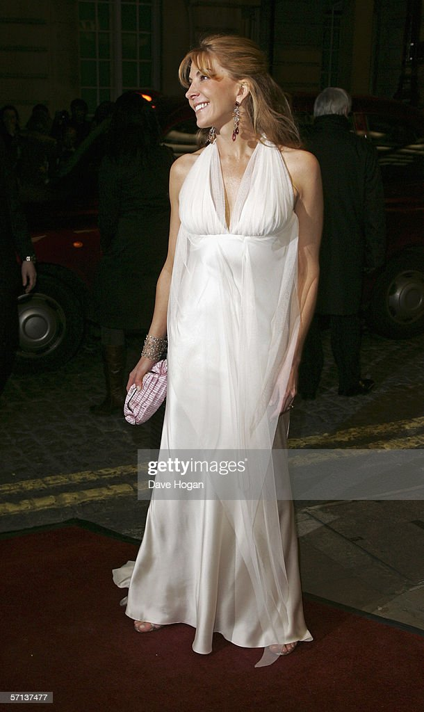 Actress Natasha Richardson arrives at the UK Premiere of 'The White Countess' at the Curzon Mayfair on March 19, 2006 in London, England.