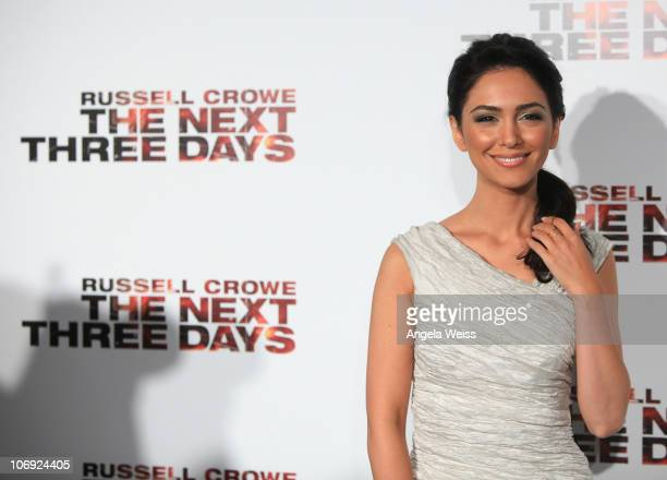 Actress Nazanin Boniadi arrives at 'The Next Three Days' Los Angeles Special Screening at Directors Guild of America on November 16 2010 in West...