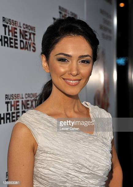 Actress Nazanin Boniadi arrives at 'The Next Three Days' Los Angeles Special Screening at Directors Guild of America on November 16 2010 in Los...