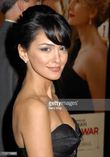 Actress Nazanin Boniadi arrives to the premiere of Universal Pictures 'Charlie Wilson's War' at City Walk Cinemas on December 10 2007 in Universal...