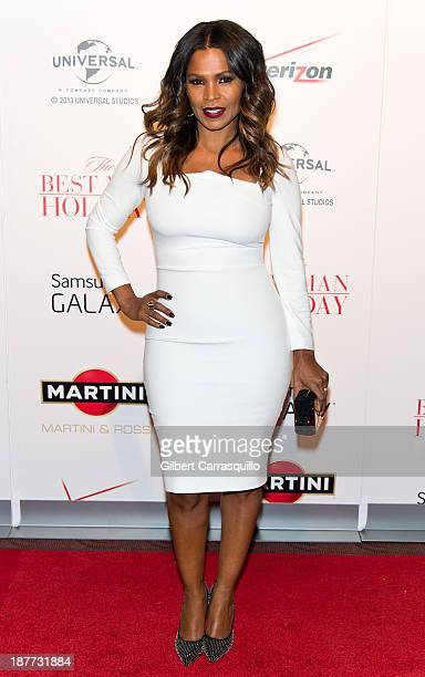 Actress Nia Long attends The Best Man Holiday screening at Chelsea Bow Tie Cinemas on November 11 2013 in New York City