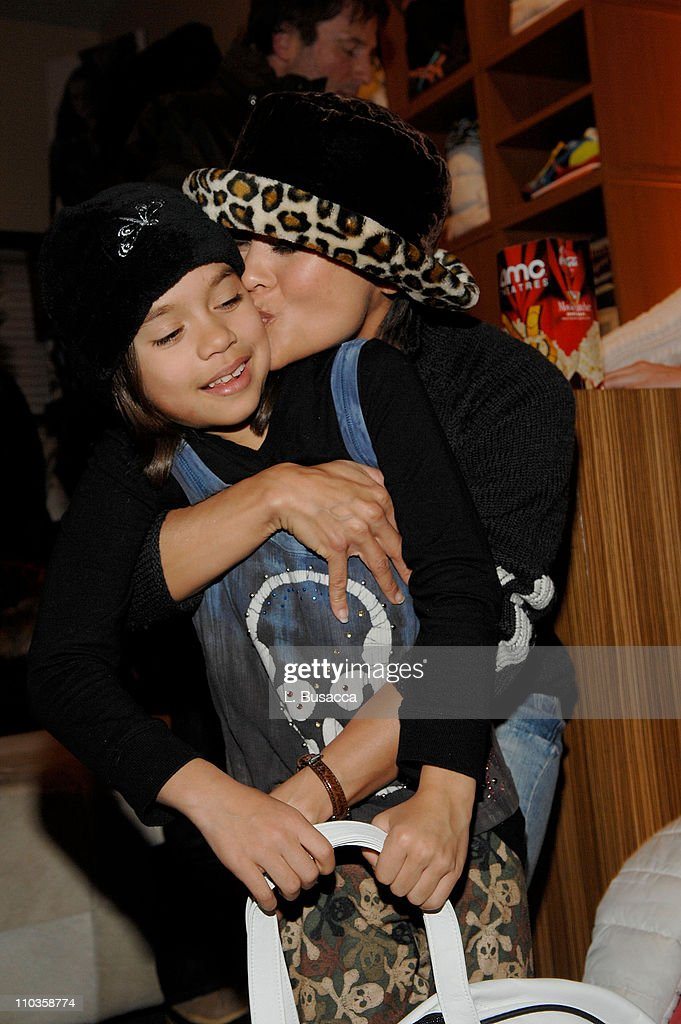 Actress Nia Peeples at the Hollywood Life House on January 21, 2008 in Park City, Utah.