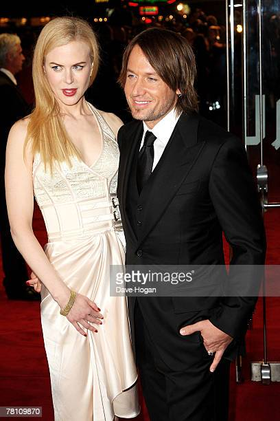 Actress Nicole Kidman and her husband musician Keith Urban arrive at the world premiere of 'The Golden Compass' at the Odeon Leicester Square on...