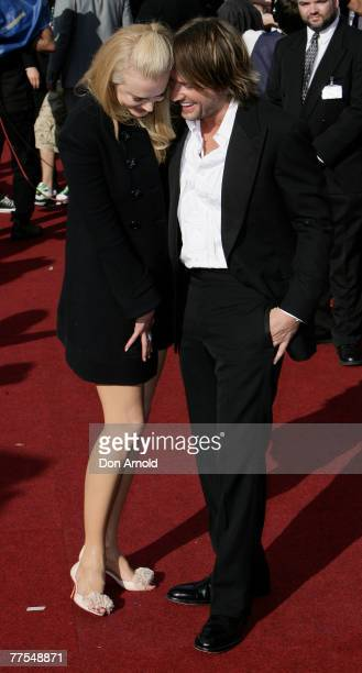 Actress Nicole Kidman and her husband singer Keith Urban arrive on the red carpet at the 2007 ARIA Awards at Acer Arena on October 28 2007 in Sydney...