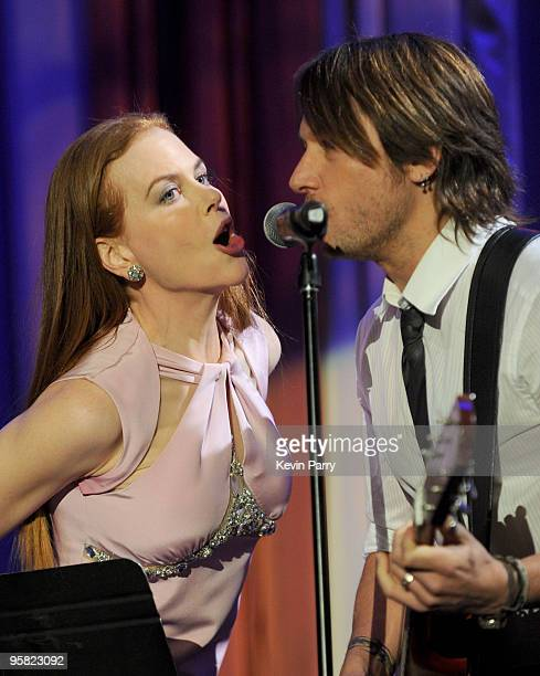 Actress Nicole Kidman and musician Keith Urban perform at the G'Day USA 2010 Black Tie gala at the Hollywood & Highland Center on January 16, 2010 in...