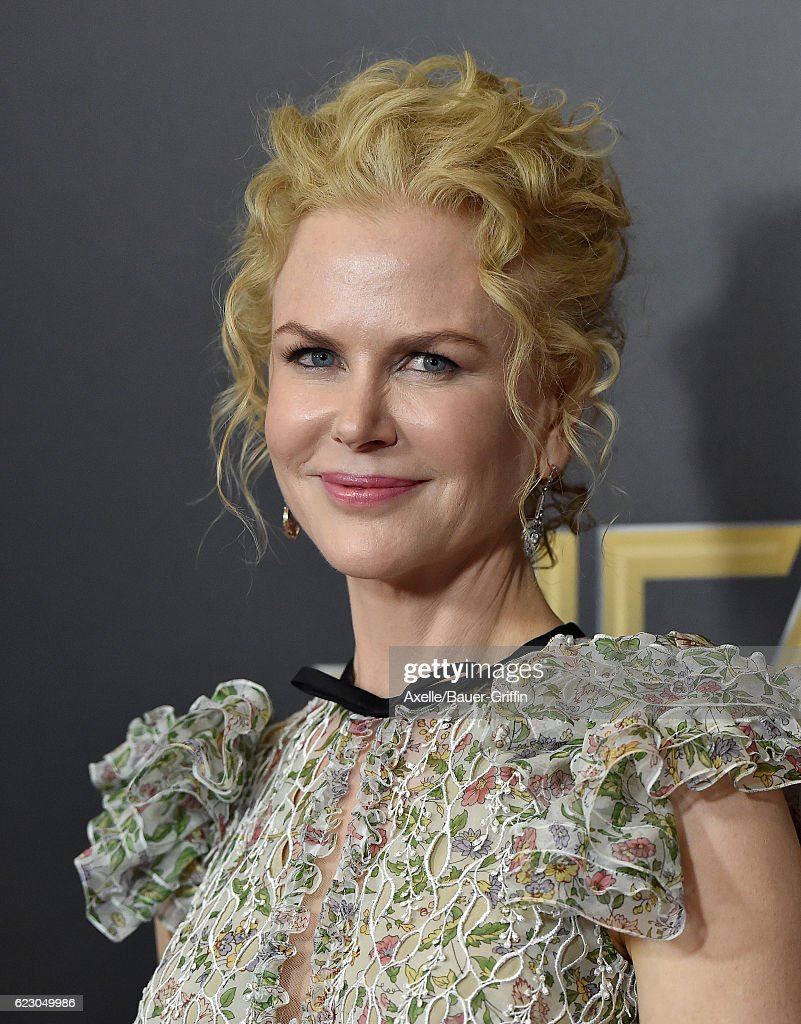 Actress Nicole Kidman arrives at the 20th Annual Hollywood Film Awards at the Beverly Hilton Hotel on November 6, 2016 in Los Angeles, California.