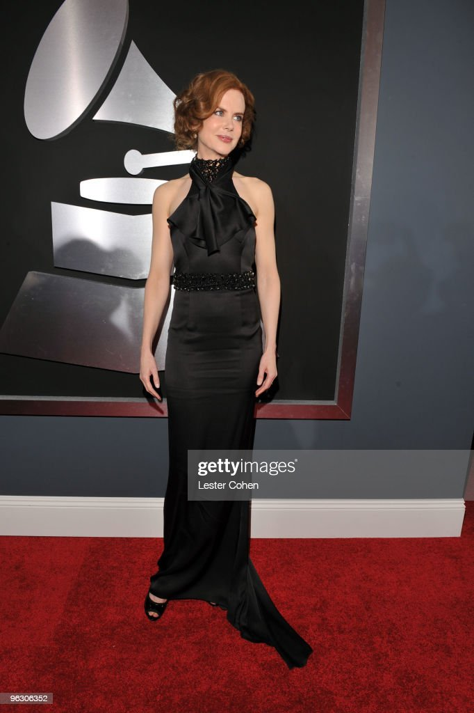 The 52nd Annual GRAMMY Awards - Red Carpet : News Photo