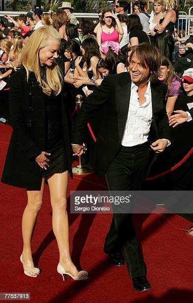 Actress Nicole Kidmanand her husband singer Keith Urban arrive on the red carpet at the 2007 ARIA Awards at Acer Arena on October 28 2007 in Sydney...
