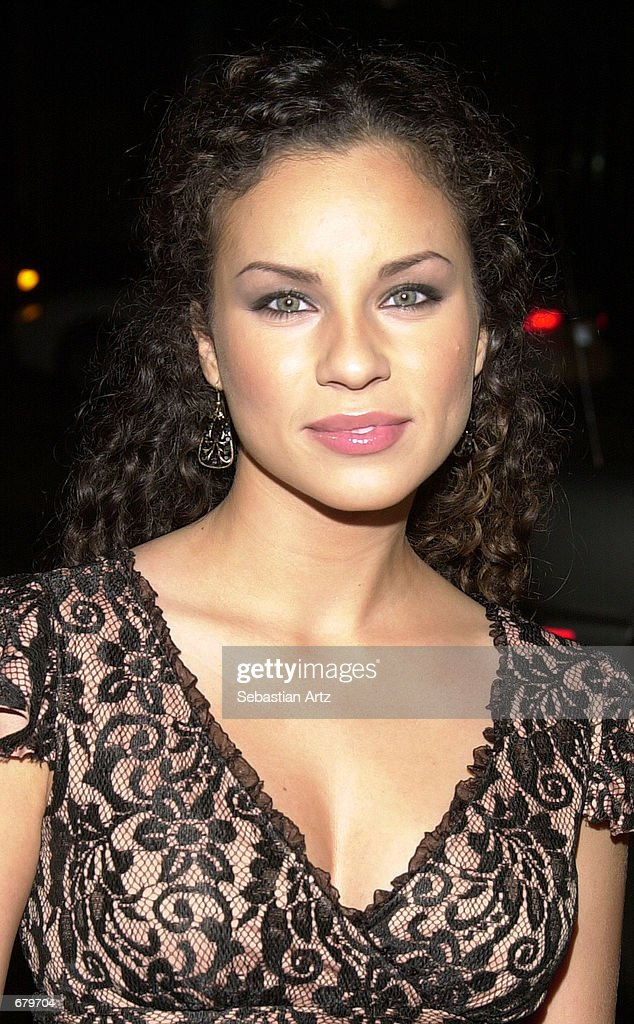 Actress Nicole Lyn arrives at the Showtime premiere of ...