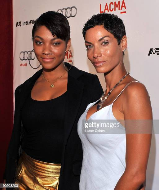 """Actress Nicole Mitchell Murphy and daughter arrive on the red carpet at the Los Angeles special screening of """"The September Issue"""" at the Los Angeles..."""