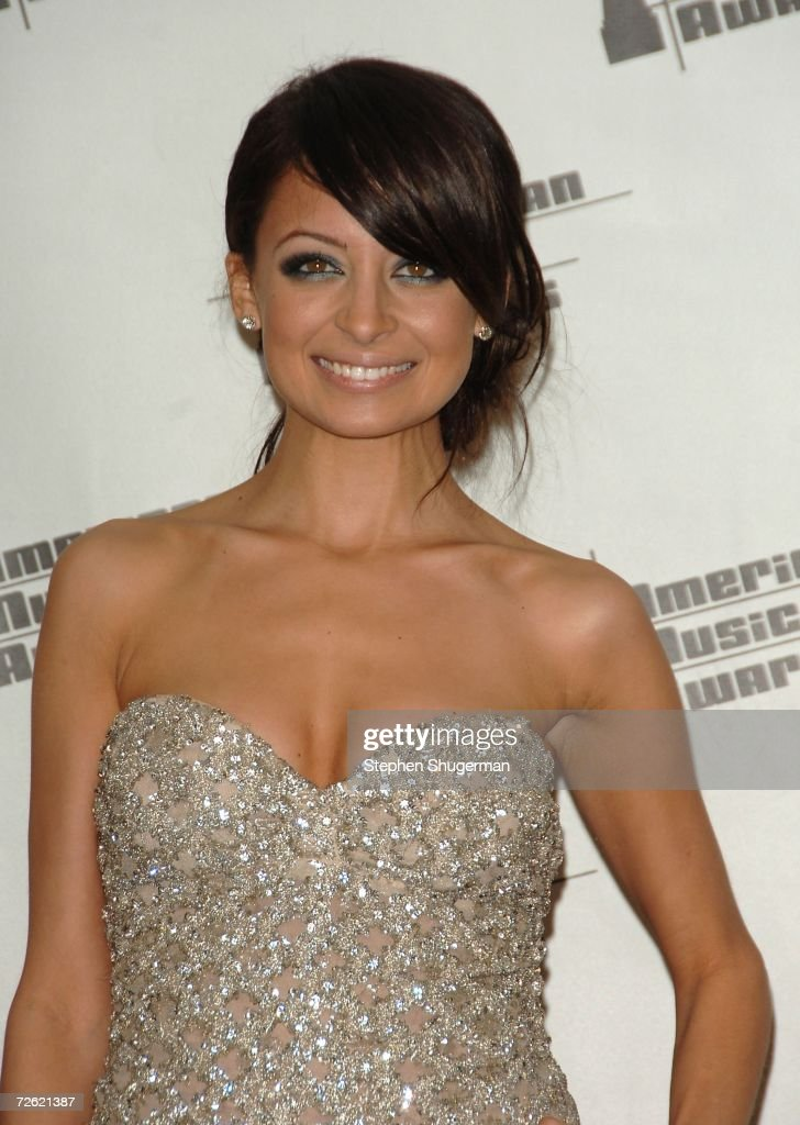 Actress Nicole Richie poses in the press room at the 2006 American Music Awards held at the Shrine Auditorium on November 21, 2006 in Los Angeles, California.