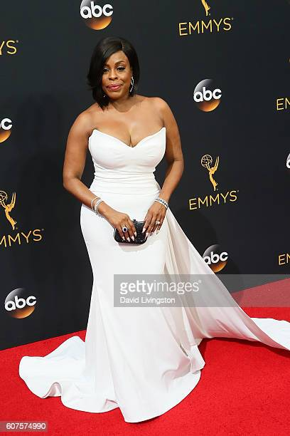Actress Niecy Nash arrives at the 68th Annual Primetime Emmy Awards at the Microsoft Theater on September 18, 2016 in Los Angeles, California.