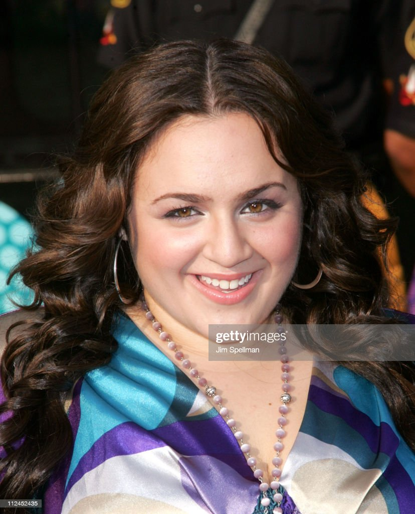 Actress Nikki Blonsky arrives at Hairspray Premiere at NJPAC on July 17, 2007 in Newark New Jersey