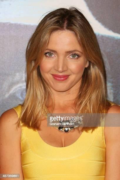 Actress Nikki Osborne arrives at the premiere of 'The Hobbit Demolition Of Smaug' at Village Cinemas Rivoli on December 17 2013 in Melbourne Australia