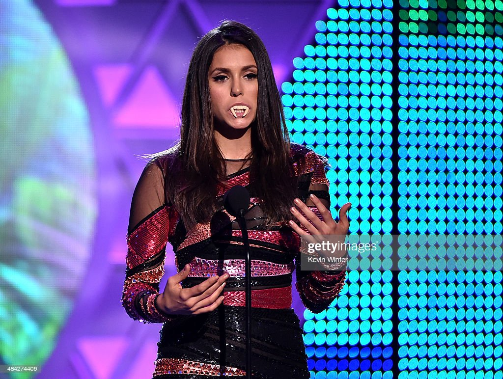 Actress Nina Dobrev accepts the Choice TV Actress: Fantasy/Sci-Fi Award for 'Vampire Diaries' onstage during the Teen Choice Awards 2015 at the USC Galen Center on August 16, 2015 in Los Angeles, California.