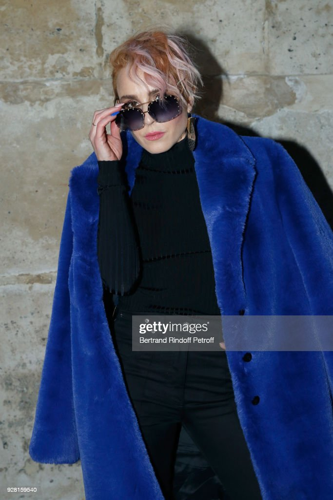 Louis Vuitton : Front Row  - Paris Fashion Week Womenswear Fall/Winter 2018/2019 : News Photo