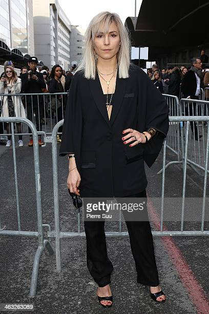 Actress Noomie Rapace arrives at the Givenchy Menswear Fall/Winter 20142015 show as part of Paris Fashion Week>> on January 17 2014 in Paris France