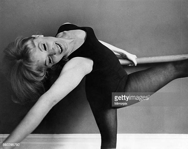 Actress Nyree Dawn porter is in training for her starring role in the BBC television marathon series Forsyth Saga Circa 1966 P009646