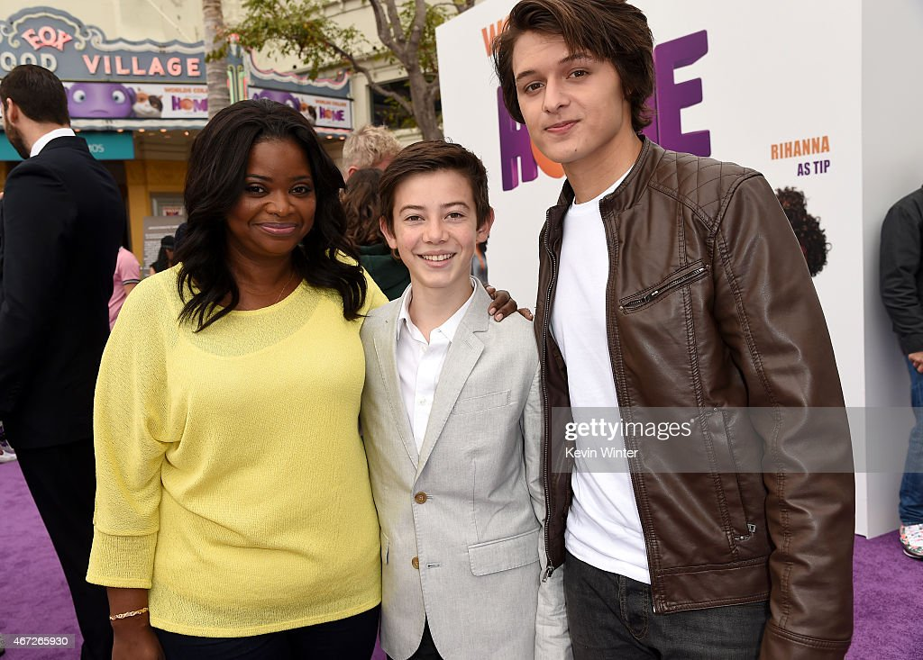"Premiere Of Twentieth Century Fox And Dreamworks Animation's ""HOME"" - Red Carpet : News Photo"