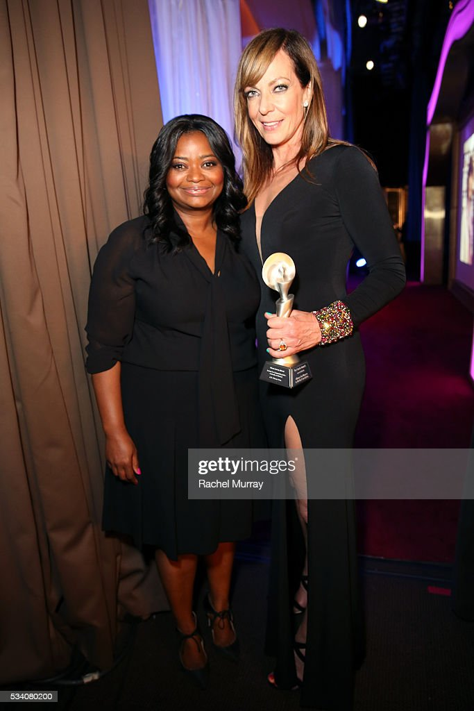 Actress Octavia Spencer (L) and Honoree Allison Janney pose with her award for Outstanding Actress in a Supporting Role - Comedy or Musical, during the 41st Annual Gracie Awards at Regent Beverly Wilshire Hotel on May 24, 2016 in Beverly Hills, California.
